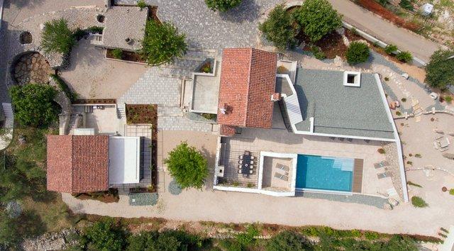 Ідеальний дім для родини у Хорватії: яскраві фото - фото 299352