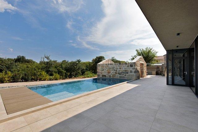 Ідеальний дім для родини у Хорватії: яскраві фото - фото 299354