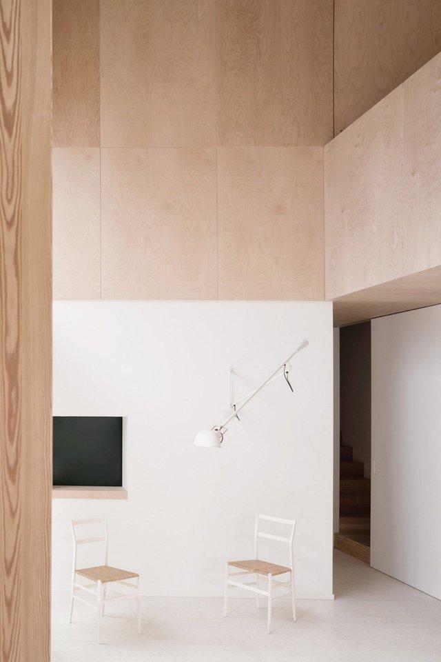 Архітектори зробили сучасний дім зі старого сараю - фото 299428