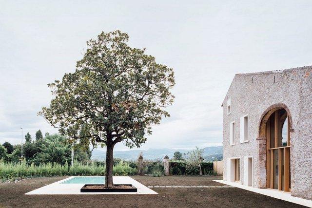 Архітектори зробили сучасний дім зі старого сараю - фото 299433