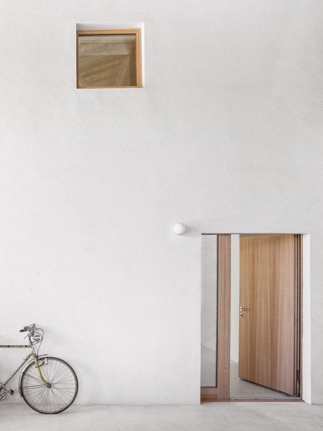 Архітектори зробили сучасний дім зі старого сараю - фото 299437