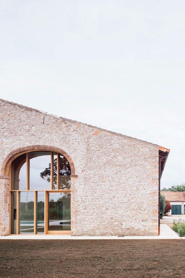 Архітектори зробили сучасний дім зі старого сараю - фото 299441