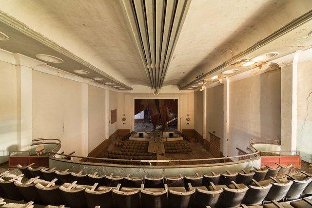 Занедбані театри Європи: вражаючі фото - фото 299517