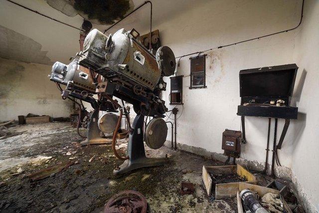 Занедбані театри Європи: вражаючі фото - фото 299521