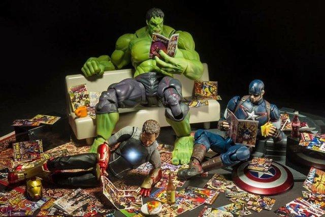 Чим займаються супергерої, коли не рятують світ: епічні фото - фото 299545