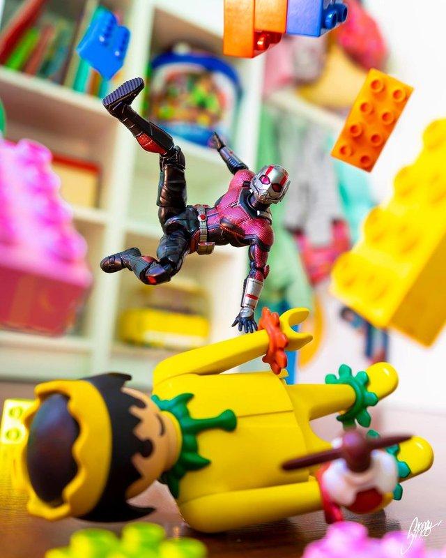 Чим займаються супергерої, коли не рятують світ: епічні фото - фото 299548