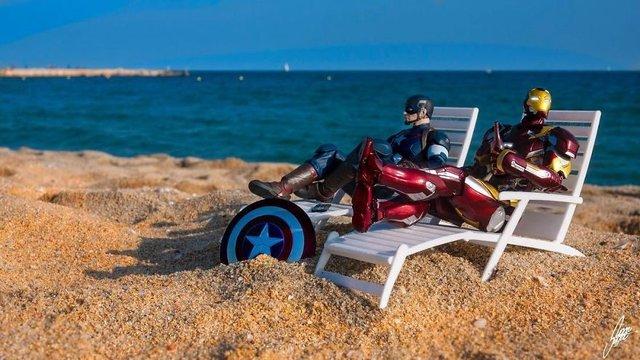 Чим займаються супергерої, коли не рятують світ: епічні фото - фото 299549