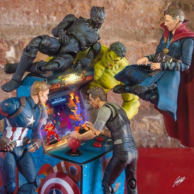 Чим займаються супергерої, коли не рятують світ: епічні фото - фото 299557