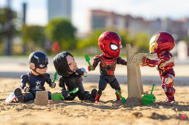 Чим займаються супергерої, коли не рятують світ: епічні фото - фото 299559