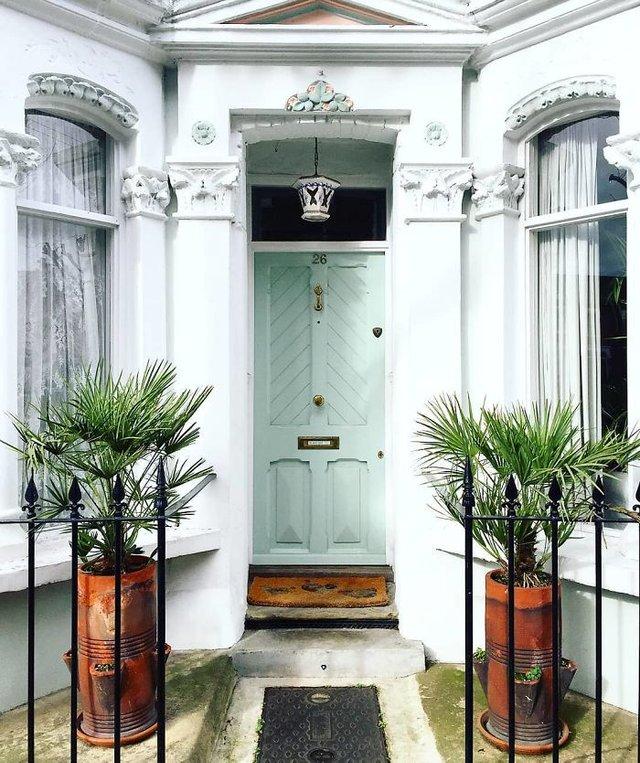 Фотограф показала найкрасивіші двері Лондона - фото 300050