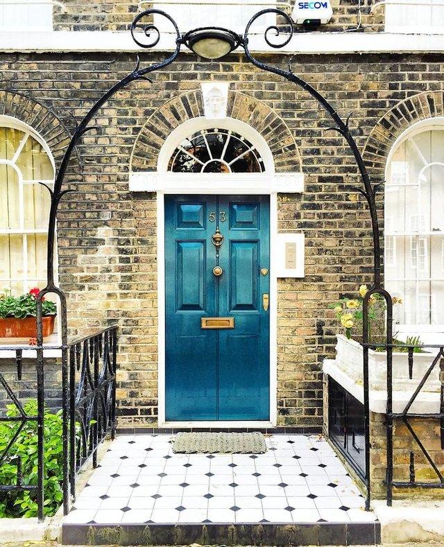 Фотограф показала найкрасивіші двері Лондона - фото 300057