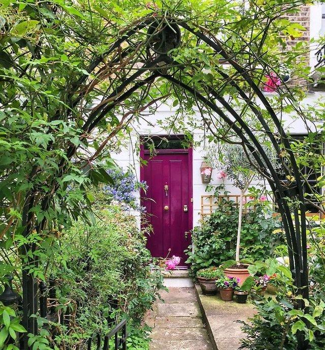 Фотограф показала найкрасивіші двері Лондона - фото 300059