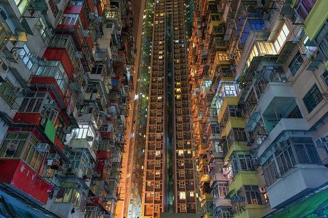 Без вільного простору: справжнє життя у Гонконзі у фото - фото 300089