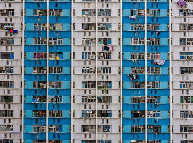 Без вільного простору: справжнє життя у Гонконзі у фото - фото 300094
