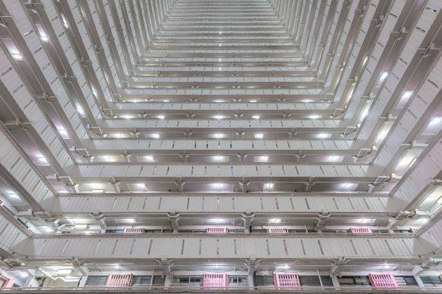 Без вільного простору: справжнє життя у Гонконзі у фото - фото 300095