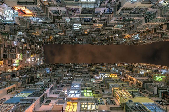 Без вільного простору: справжнє життя у Гонконзі у фото - фото 300096