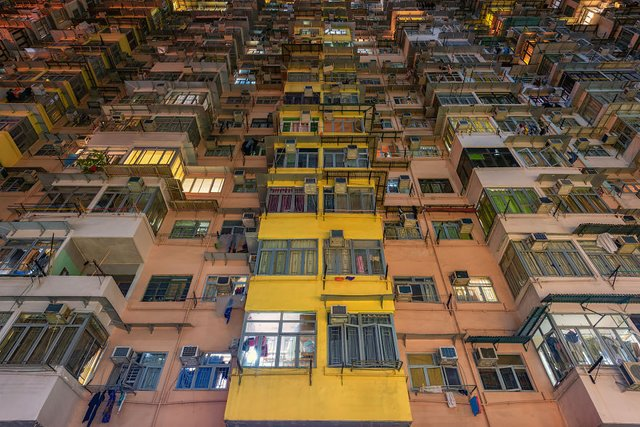 Без вільного простору: справжнє життя у Гонконзі у фото - фото 300102