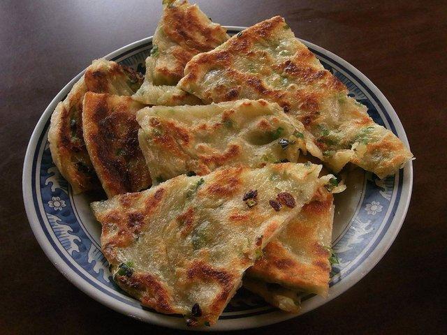 Дивні страви, які туристам радять скуштувати у Китаї   - фото 300500
