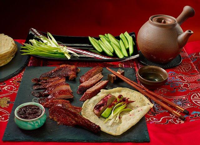 Дивні страви, які туристам радять скуштувати у Китаї   - фото 300501