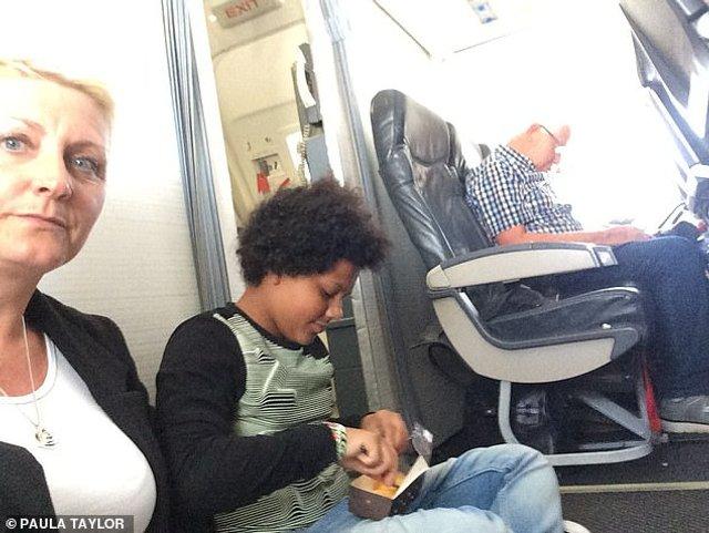 Пасажирам надали місця, яких не існувало на борту літака - фото 301104
