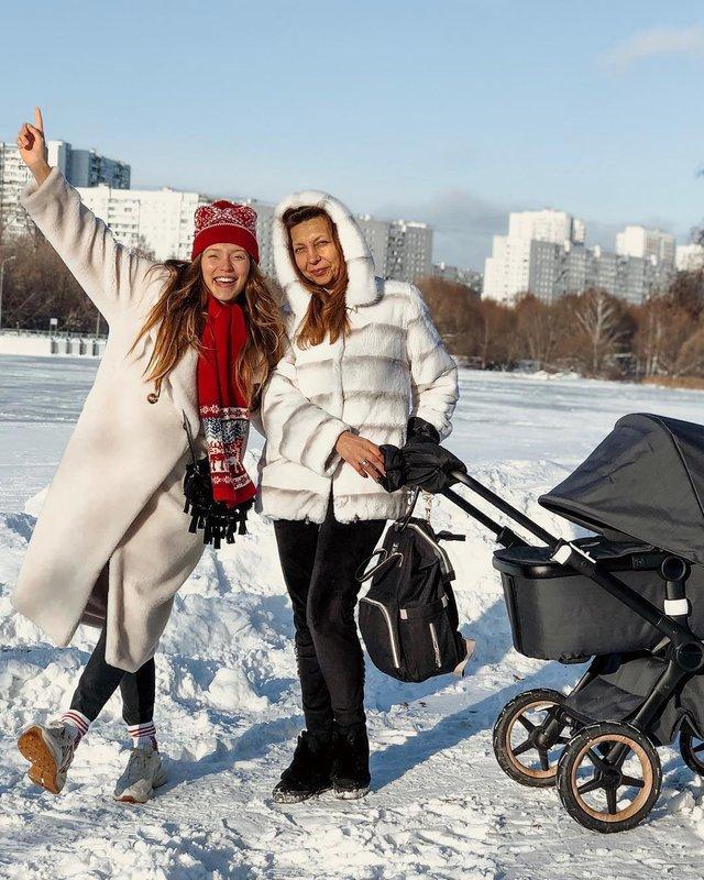 Регіна Тодоренко розповіла про те, як знущається з матері - фото 302147
