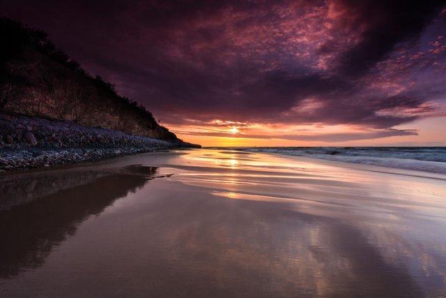 Фотограф показав таємничу красу Балтійського моря у Польщі - фото 302314