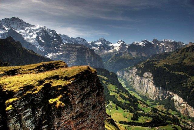 Відпочинок взимку: чому варто поїхати у Швейцарію - фото 303138