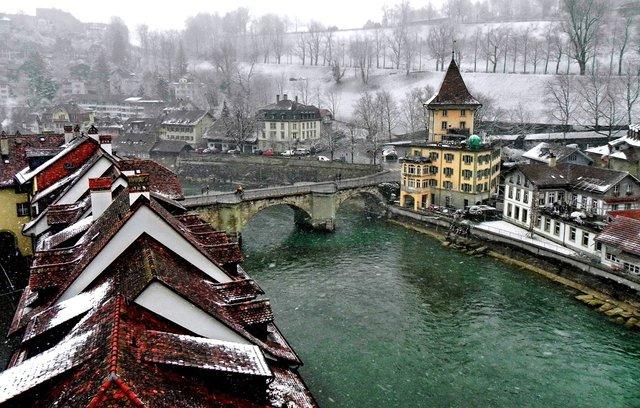 Відпочинок взимку: чому варто поїхати у Швейцарію - фото 303141