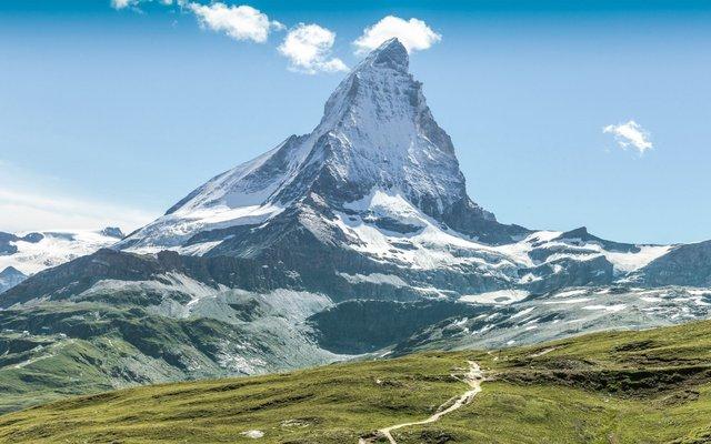 Відпочинок взимку: чому варто поїхати у Швейцарію - фото 303147