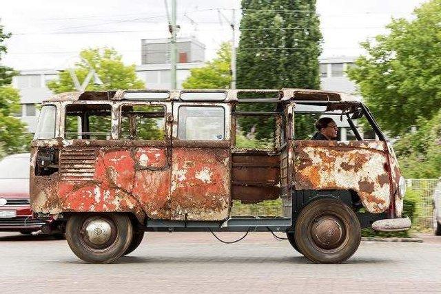 У Німеччині знайшли рідкісний VW Transporter 50-х років - фото 303202