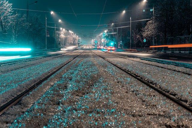 Крижана буря у Бухаресті: вражаючі фото замерзлого міста - фото 304345