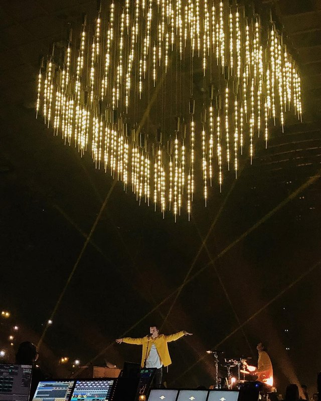 Уперше в Україні: як пройшов шалений концерт Twenty One Pilots у Києві - фото 304812