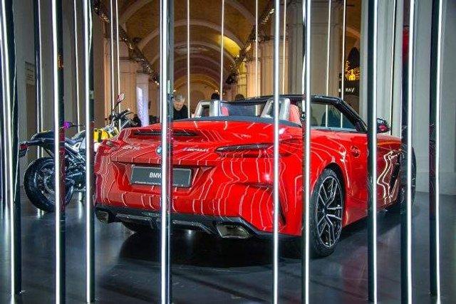 В Україні помічений розкішний спорткар BMW - фото 305541