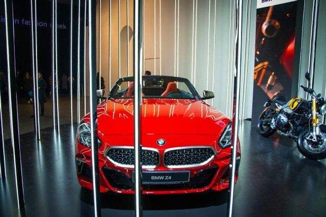 В Україні помічений розкішний спорткар BMW - фото 305542
