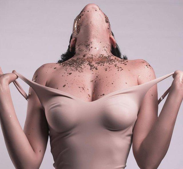 Даша Астаф'єва розбурхала уяву пікантним фотосетом - фото 306216