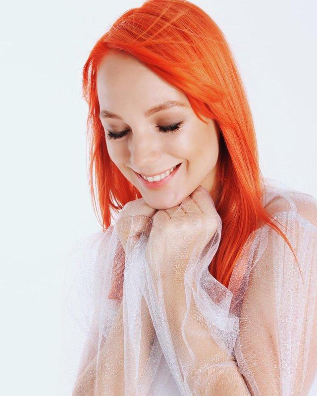TARABAROVA закликала своїх підписників більше усміхатися - фото 306427