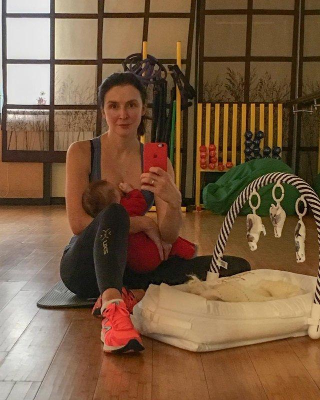 Валентина Хамайко упевнено повертається у форму після пологів - фото 306459