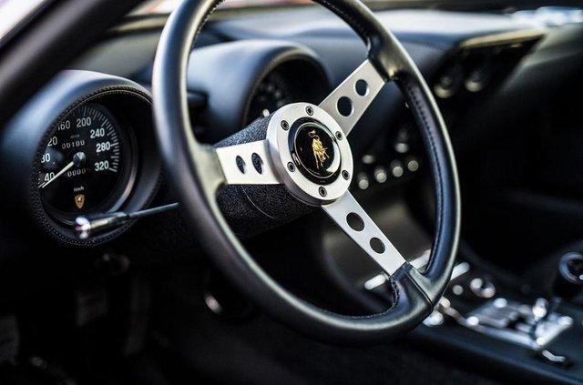 Lamborghini відновила купе Miura президента FIA - фото 306494