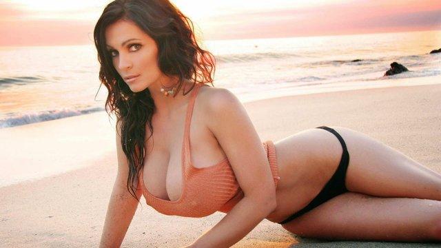 Дівчина тижня: королева еротики та пишногруда модель Деніз Мілані (18+) - фото 306687