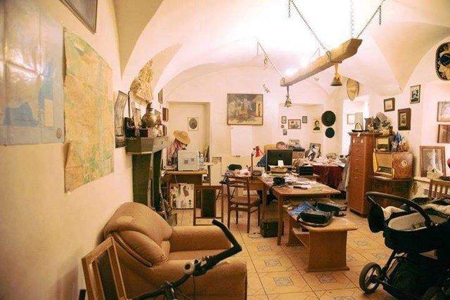 Найстаріша житлова будівля Києва у колоритних фото - фото 306697