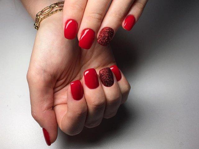Манікюр у червоному кольорі  - фото 306951