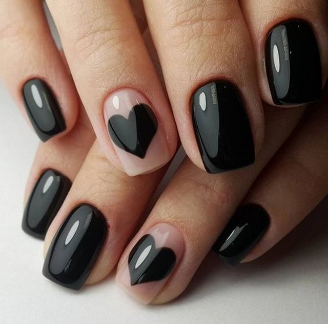 Чорний манікюр з сердечками  - фото 306957