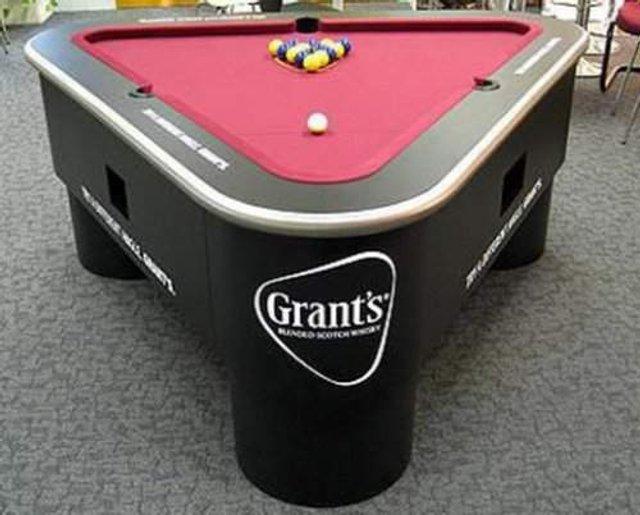 Найбільш незвичайні столи для більярду: зіграли би? - фото 307000