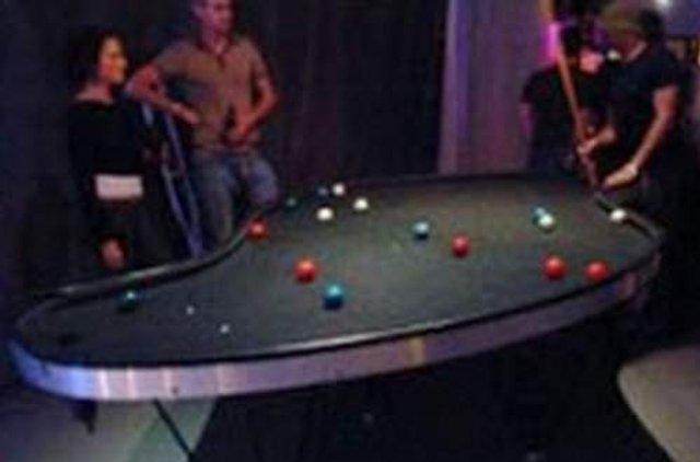 Найбільш незвичайні столи для більярду: зіграли би? - фото 307001