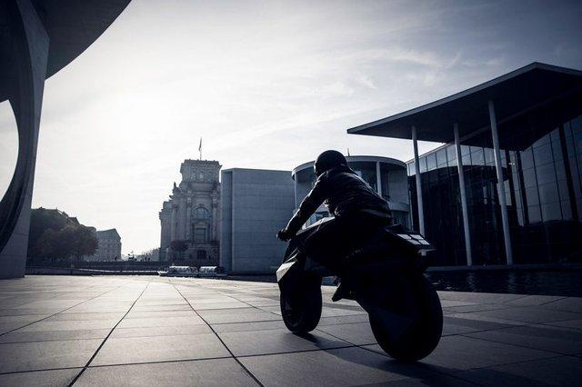 У Німеччині на 3D-принтері надрукували електромотоцикл - фото 307008