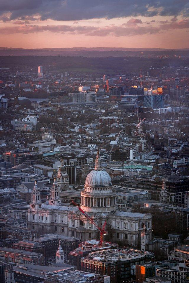 Міські пейзажі Лондона, які заворожують: фото Натана Хендса - фото 307073