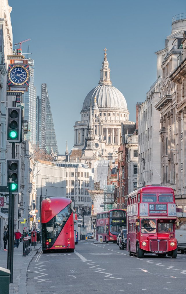 Міські пейзажі Лондона, які заворожують: фото Натана Хендса - фото 307085