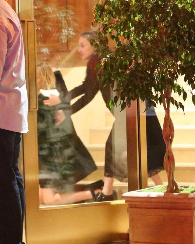 Відома американська акторка впала зі сходів, перебравши алкоголю: фотофакт - фото 307089