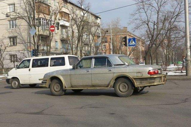 У Києві бачили авто з вкрай незвичайним тюнінгом - фото 308113
