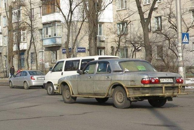 У Києві бачили авто з вкрай незвичайним тюнінгом - фото 308114